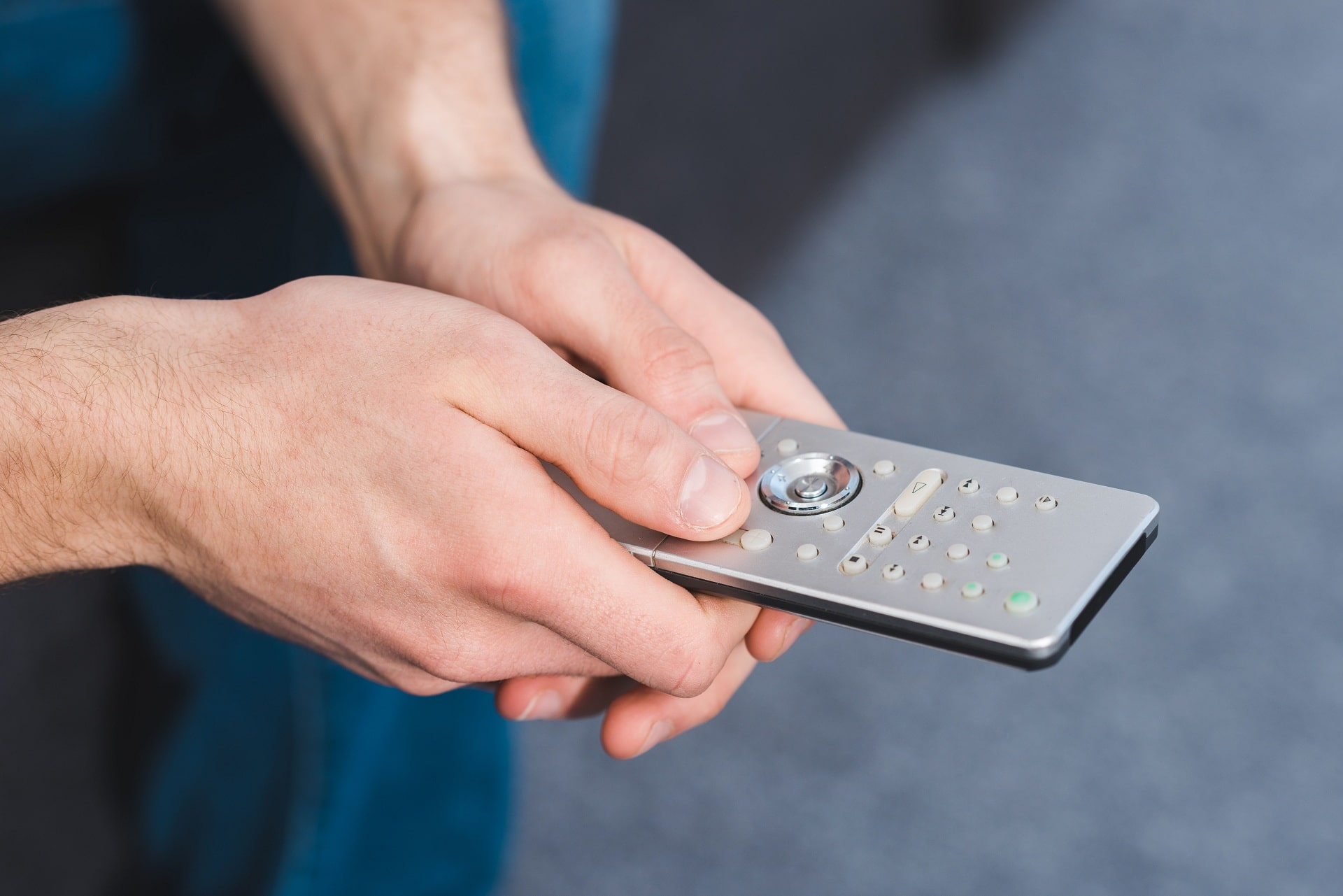 difference Between manual & electronic thermostat controls